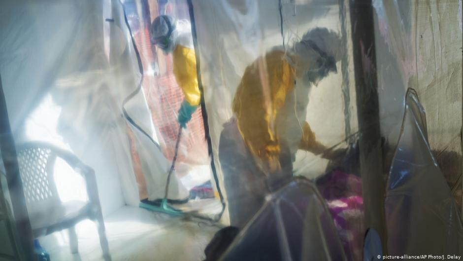 Ébola: Médico receia que não haja vacinas suficientes para conter epidemia