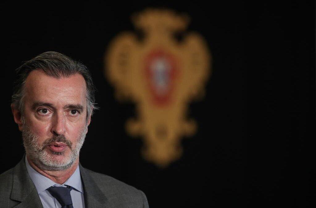 IL questionou PR sobre renovação da emergência, Marcelo não se quis comprometer