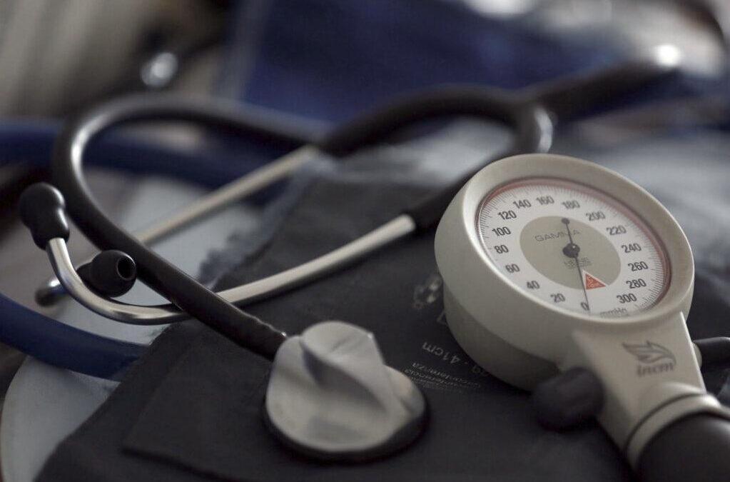 Estudo mostra como a hipertensão acelera o desenvolvimento da aterosclerose